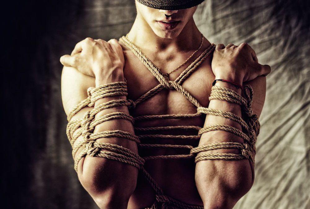 Le bondage ou l'art des liens