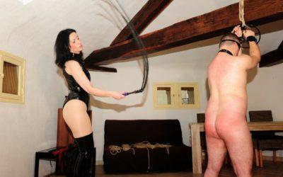 Jeux BDSM, de la douleur au subspace